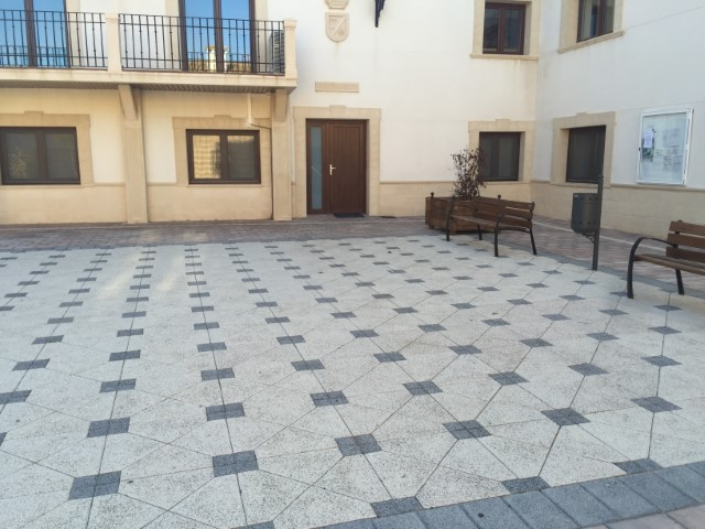 Adoquín Blanco granallado El Picazo | Prefabricados de hormigón Albacete y Madrid