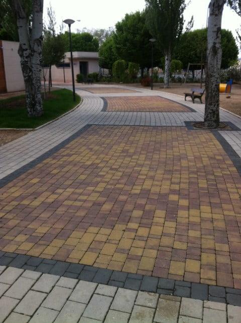 Adoquín de hormigón Albacete y Madrid | Prefabricados de la Jara | Adoquín Casco Viejo Las Pedroñeras