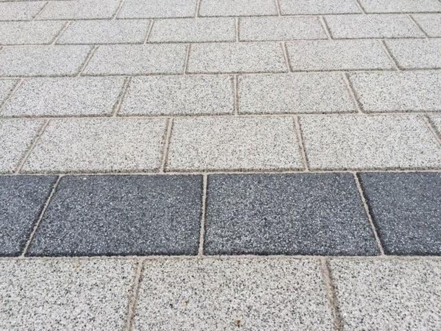 Adoquines en Olmedilla de Alarcón | Granallado y Gris | Adoquines rectangulares en Albacete y Madrid