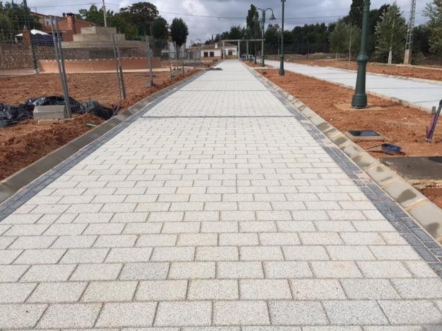 Adoquín de hormigón en Olmedilla de Alarcón | Rectangular | Pavimentos en Madrid