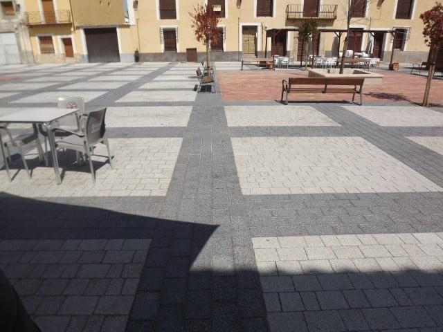 Adoquín en Pareja | Granallado y Negro | Pavimentos decorativos en Albacete y Madrid