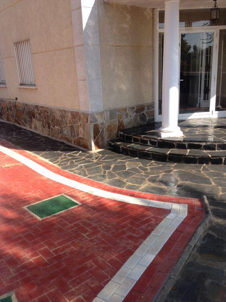 Adoquín en Pozuelo de Alarcón | Adoquines de hormigón Madrid | Prefabricados La Jara