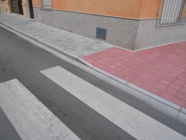 Quintanar del Rey | Ceniza y botón Rojo | Adoquines decorativos Albacete