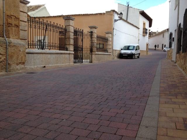 Adoquín Sisante Praga Rojo | Pavimentos de hormigón en Albacete y Madrid | Prefabricados de La Jara