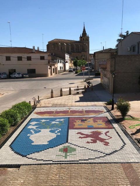 Escudo de adoquín en Villanueva de la Jara | Prefabricados de la Jara | Adoquines Albacete y Madrid