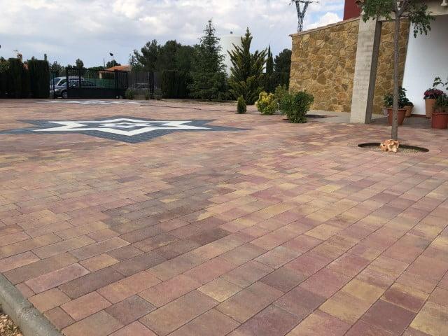 Pavimentos decorativos Villarrobledo | Prefabricados de la Jara | Adoquines Albacete y Madrid
