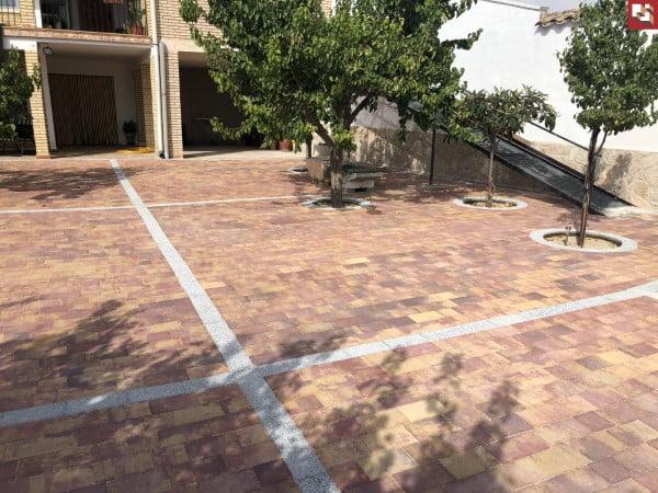 Adoquines de hormigón en Casas de Benitez | Prefabricados La Jara Adoquines en Albacete y Madrid
