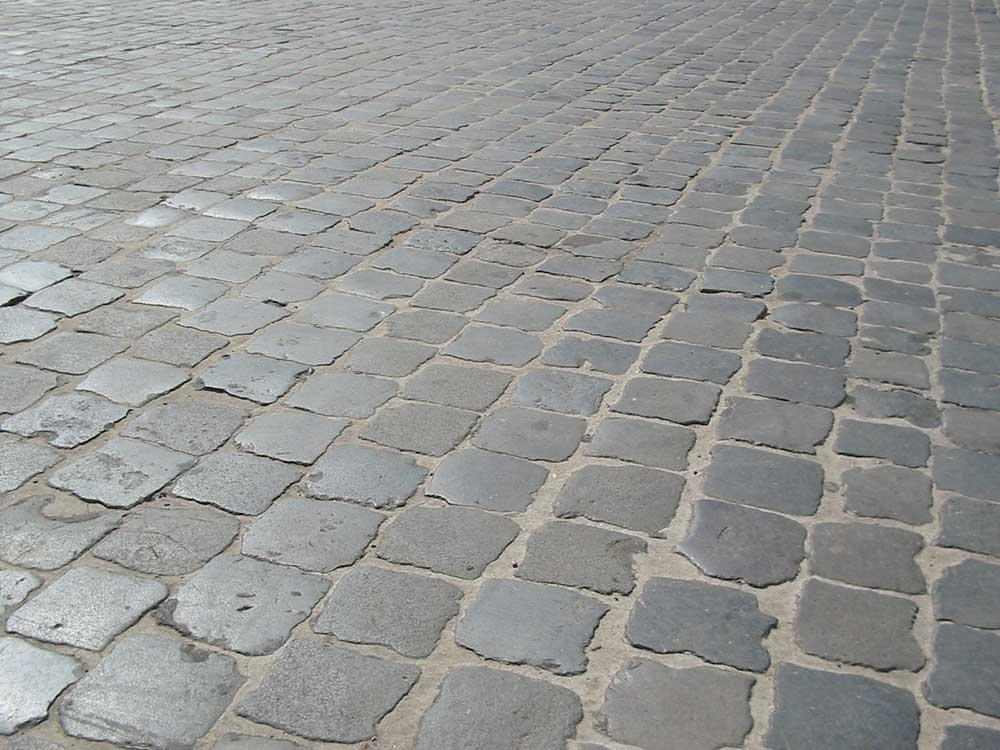 Historia de los adoquines, los sampietrini de Roma