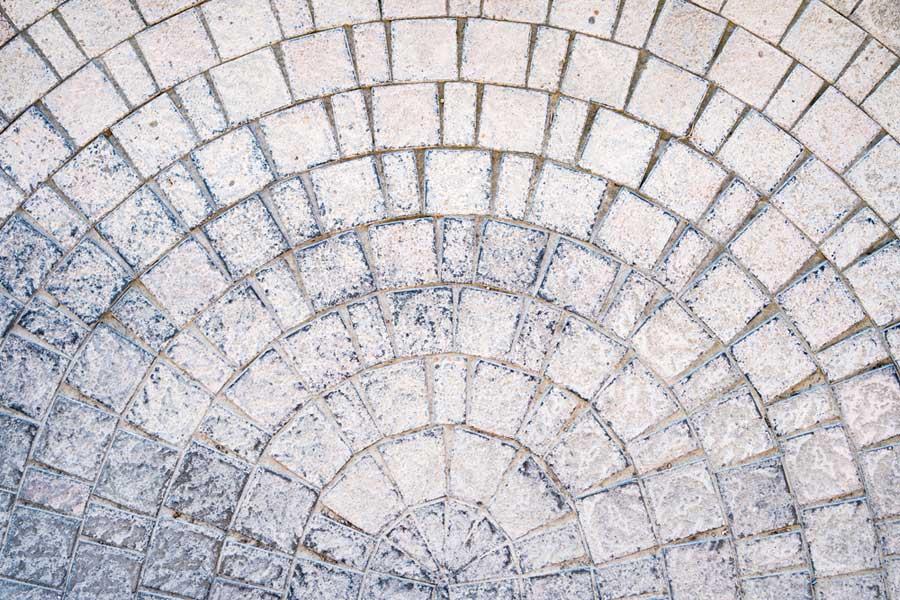 Tipos de manchas en adoquines de hormigón